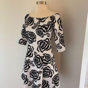 Glamorous black and white graphic floral dress XS